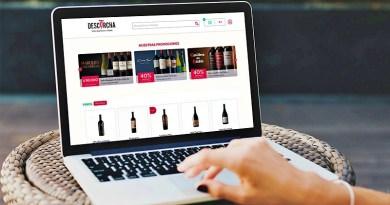 El renovado canal de e-commerce de Viña Concha y Toro se llama Descorcha.com, canal en línea que ofrece una gran variedad de productos