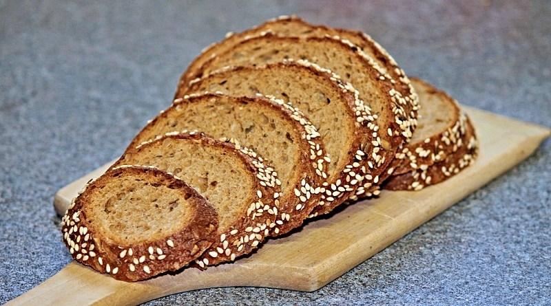 Muchas personas efectada por el confinamiento están pensando en emprender. Por eso te dejamos dos recetas fáciles y sencillas para hacer pan casero