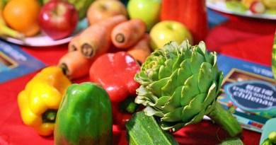 El Ministerio de Agricultura invita a todo Chile a votar por sus frutas y verduras preferidas para elegir a los ganadores de este año.