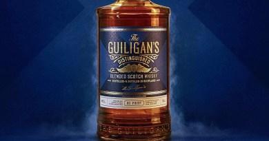 Viña Concha y Toro lanza su primer whisky: The Guiligan's Distinguished, destilado producido y embotellado en Escocia para el mercado chileno.