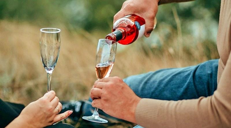 La primavera es una temporada donde el calor comienza a hacerse presente, época donde el vino Rosé toma mayor protagonismo.