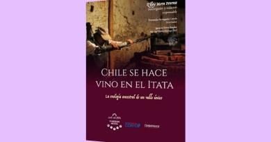 """Bajo el título """"Chile se hace vino en el Itata"""" fue presentado un libro que rescata la historia vitivinícola de ese valle de la región de Ñuble."""