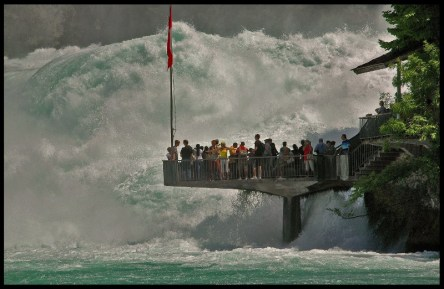 The extreme force of the Rhine Falls