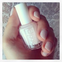 Nails of the day: Essie Fiji