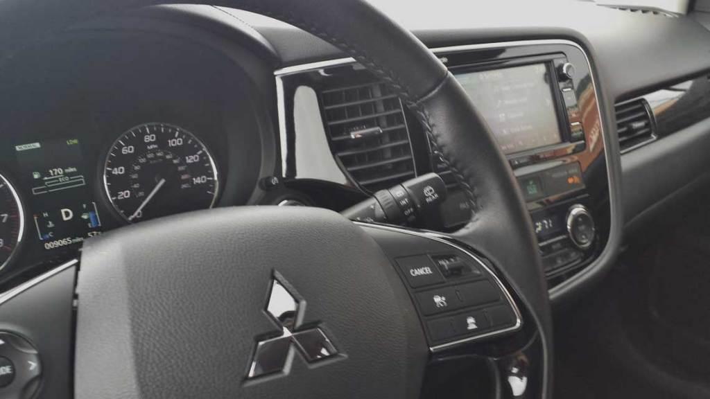 2016-Mitsubishi-Outlander-5