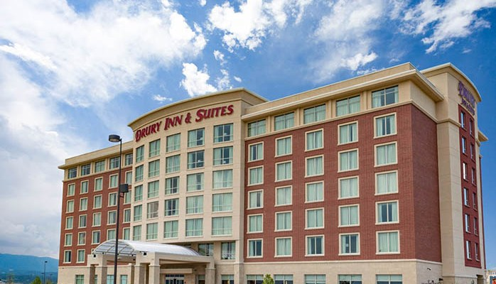 3 Reasons To Book The Drury Inn & Suites For Your Valentine's Day or Romantic Escape
