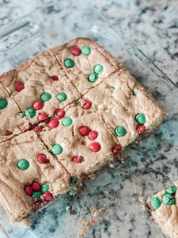 M&M Christmas Cookie Bars    Motherhood in May