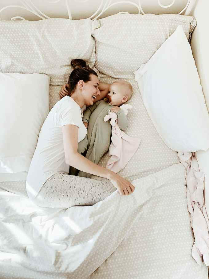 8 Tips for Co-Sleeping Safely and Successfully #cosleeping #motherhood