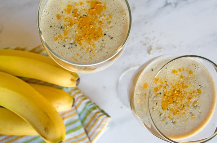 Banana Smoothie with Turmeric