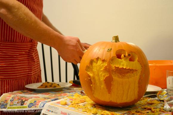 cookie-monster-pumpkin-carving