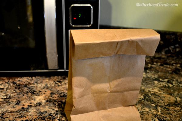 pop-popcorn-kernels-in-microwave