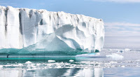 Greenland cooled by at least 6°C as the cycle began. (Image: Credit: Christine Zenino from Chicago, US, via Wikimedia Commons) Click to Enlarge.