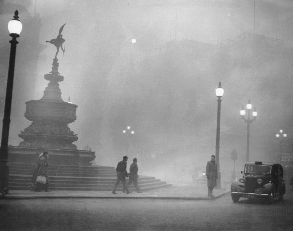 Piccadilly Smog London im Smog