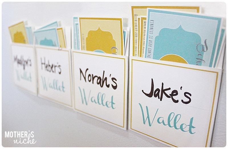 kid wallets printables + bucks, checks and other family store printables!