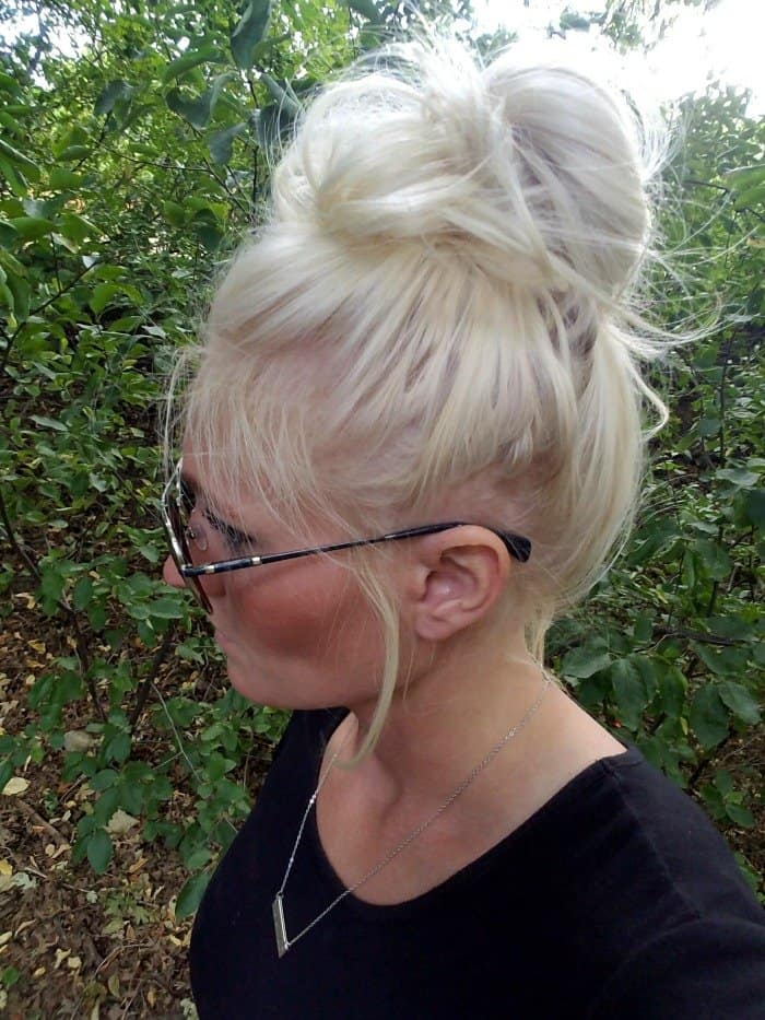 How to do a messy bun the easy way