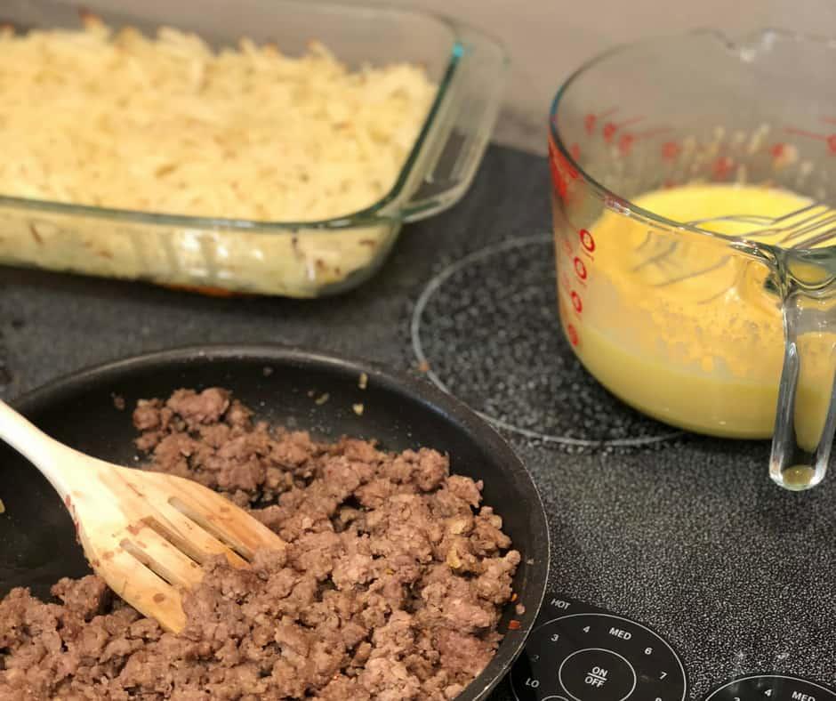 Super Easy Sausage Hashbrown Breakfast Casserole