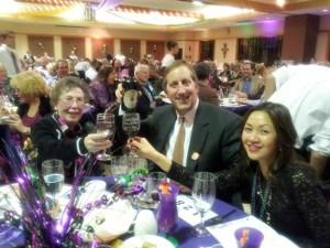 MTMH_Dinner2014_cheers