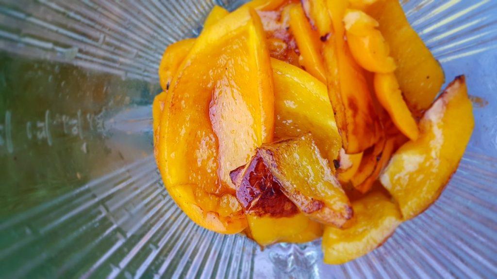 Easy Vegetarian Yellow Pepper Pasta Sauce recipe - blender
