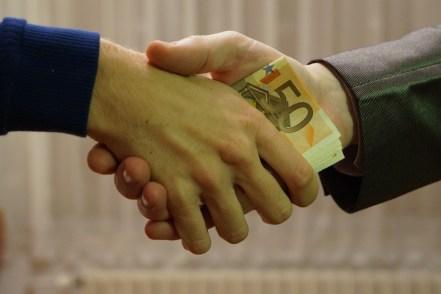 hand-man-people-leg-finger-money-661535-pxhere.com.jpg