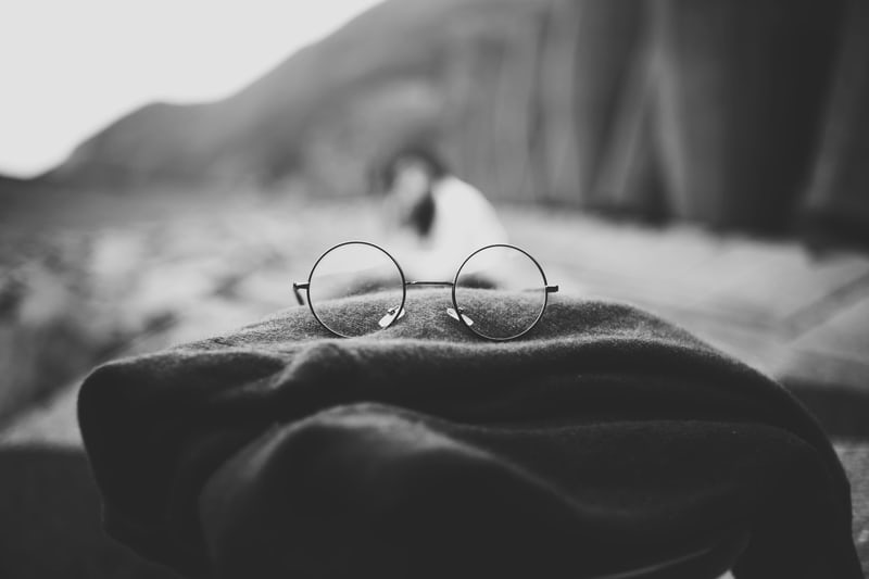 harry potter glasses on cloak