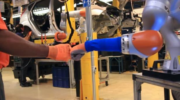 ford-cobot-robots-humans-5.jpg