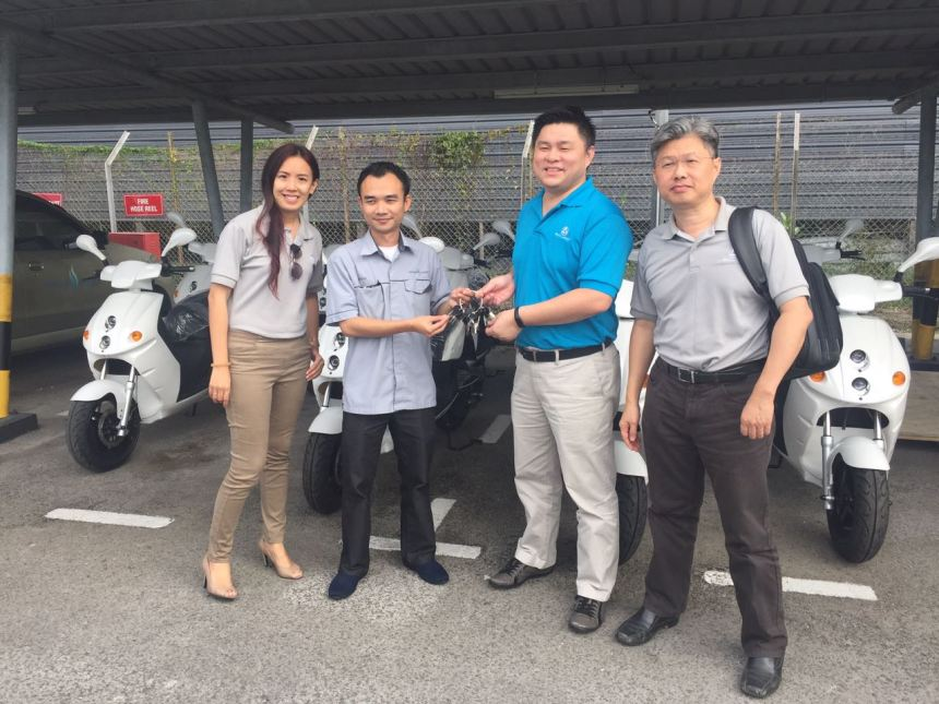 eclimo-handover-electric-bikes-to-sarawak-energy