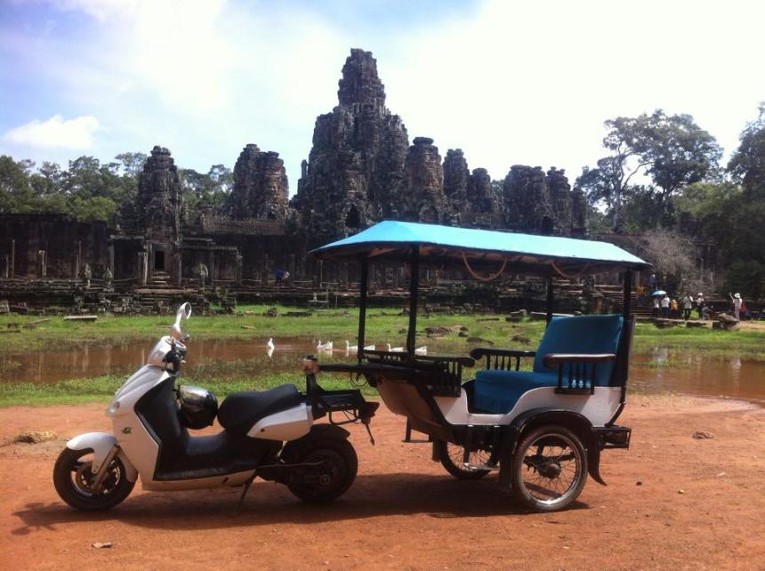 Malaysia Electric Scooter Eclimo as Reumork AngkorWat Siem Reap Cambodia.jpg