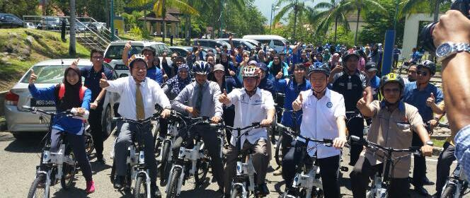 Malaysia SER1M electric bicycle program launched by Energy, Green technology and Water Minister Datuk Seri Maximus Ongkili at University Malaysia Sabah
