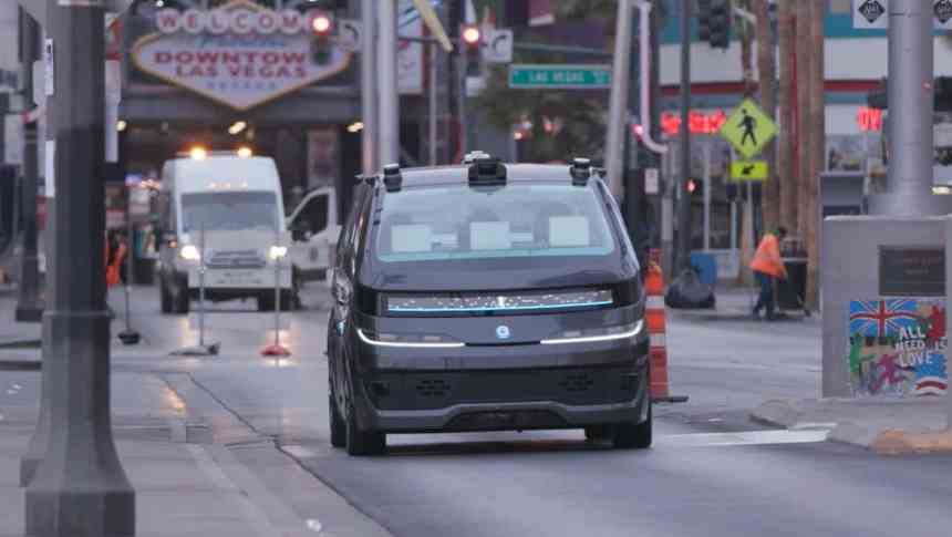 Keolis To Operate First Navya Autonomous Taxis In North America urban mobility robo-taxi driverless taxi in Las Vegas CES