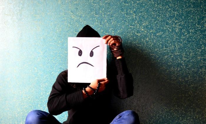 6 راه: چگونه عصبانی و تحریک کننده