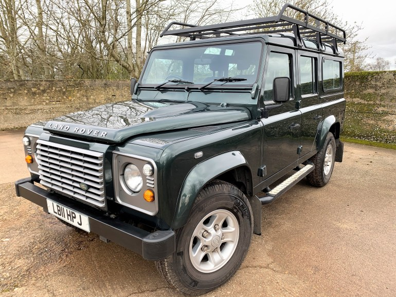 2011 DEFENDER 110 TDCi XS STATION WAGON 7 SEATER 77000M 2 OWNERS