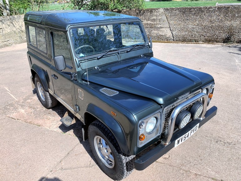 2004/54 DEFENDER 90 TD5 COUNTY 6 SEATER + JE ENGINEERING STAGE 2 UPGRADES FOR SALE