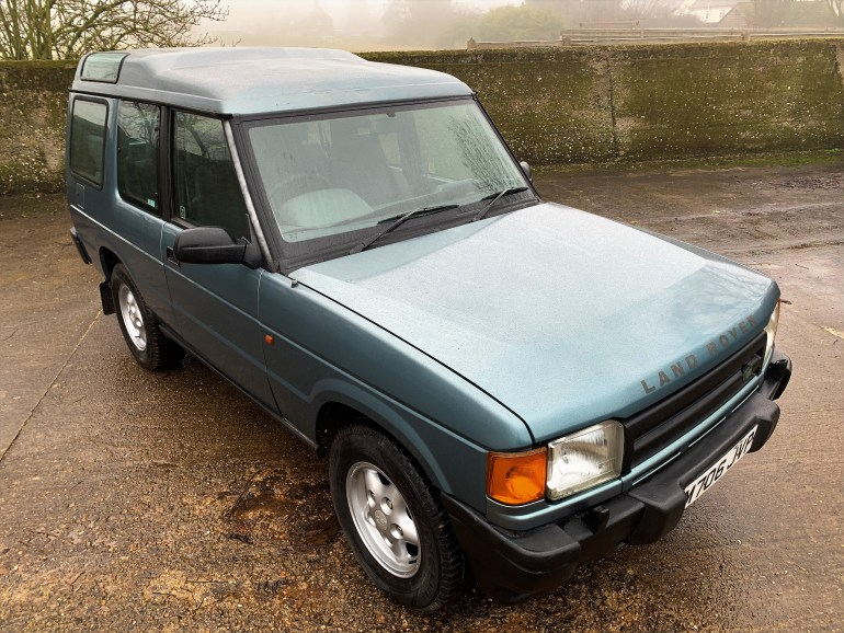 1994/M LAND ROVER DISCOVERY 300TDI 3-DOOR 7 SEATER FOR SALE AT MOTODROME THE CLASSIC LAND ROVER SPECIALIST