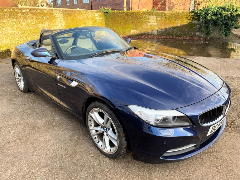 2009/59 BMW Z4 (E89) 2.3i S-drive 6-speed manual for sale at Motodrome
