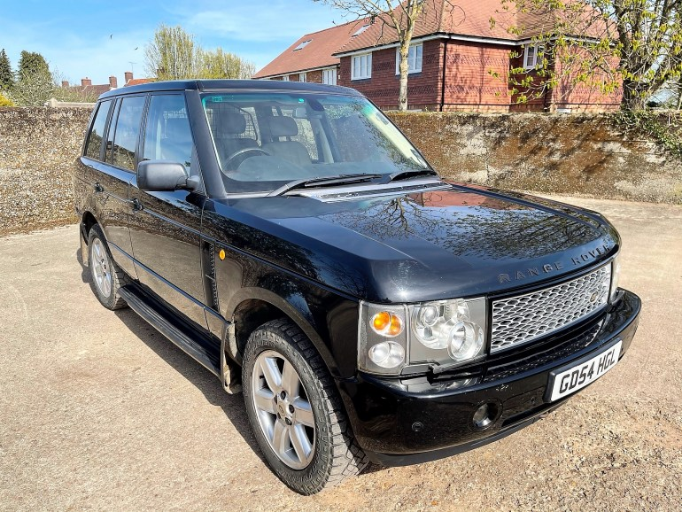 2004/54 RANGE ROVER VOGUE 4.4v8 PETROL FOR SALE AT MOTODROME THE CLASSIC LAND ROVER SPECIALIST