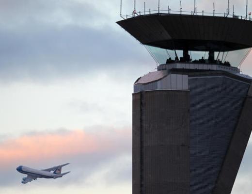 シカゴオヘア空港管制塔