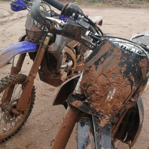 Dès le début un peu de boue