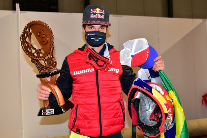 bruno-crivilin-honda-racing-volta-a-subir-no-pódio-do-mundial-de-enduro-moto-adventure
