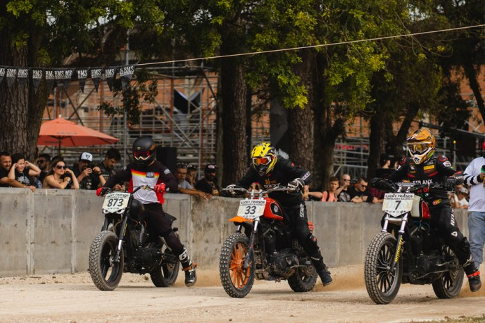bms-motorcycle-e-lucky-friends-rodeo-organizam-prova-de-flat-track-on-track