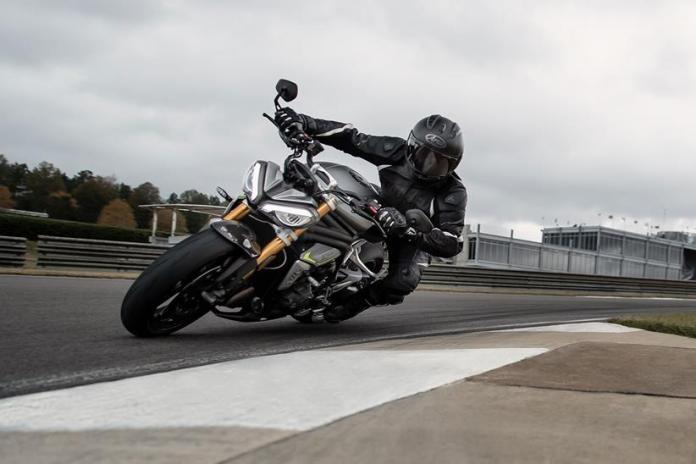 Triumph-Speed-Triple-1200-RS-2021-é-lançada-na-Europa