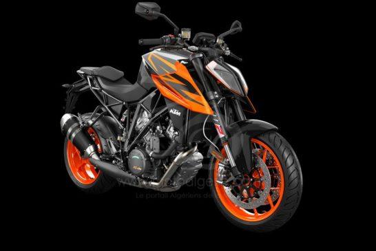 245749_1290 SuperDuke R MY19 Black-Orange Front-Right