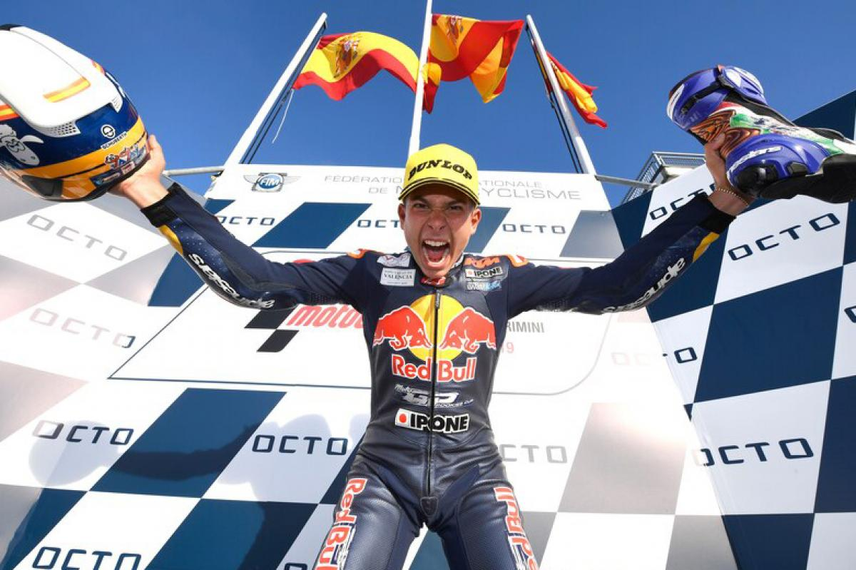 Red Bull Rookies Cup MotoGP : Carlos Tatay champion 2019 !