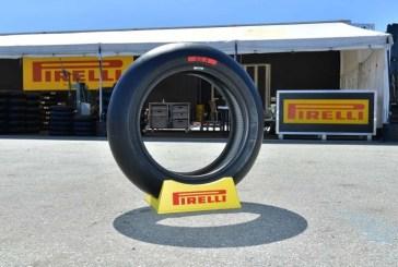 Pirelli renouvelle et élargit sa gamme de pneus moto et scooter pour la course en 2020
