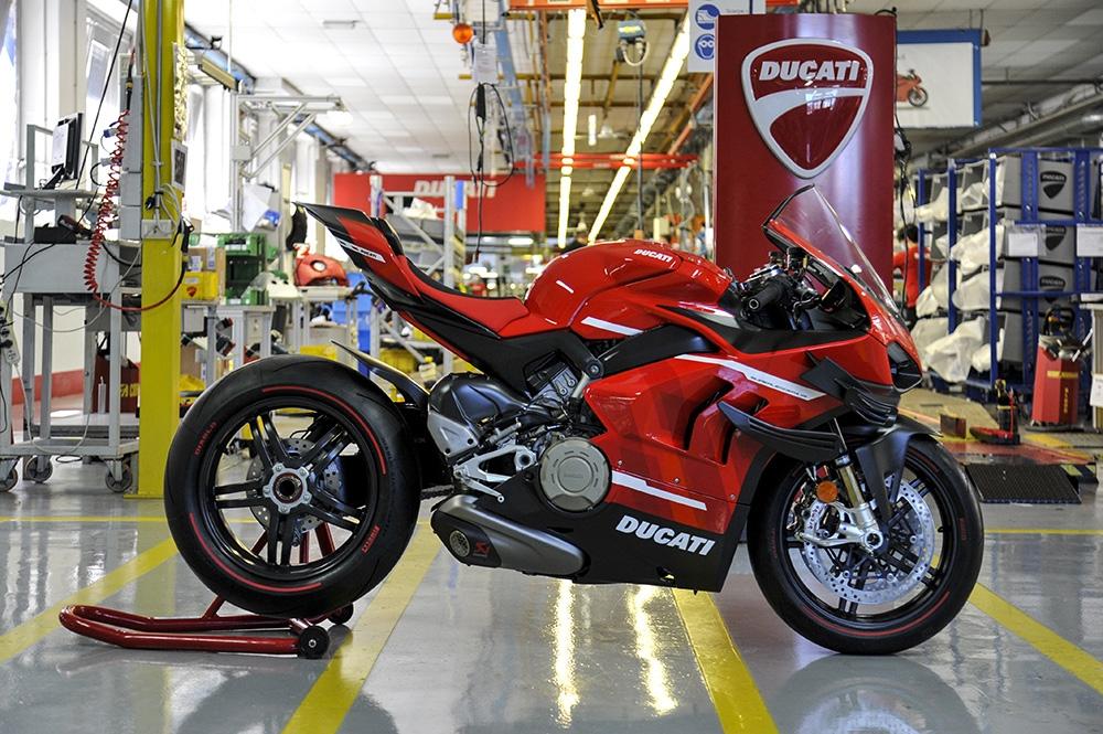 Ducati démarre la production de la Superleggera V4