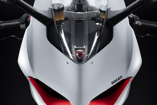 DUCATI_PANIGALE_V2 _White Rosso - Details__UC173815_Low