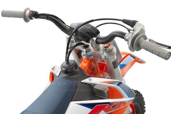 KTM 50 SX Factoy Edt 2021_detail handlebar