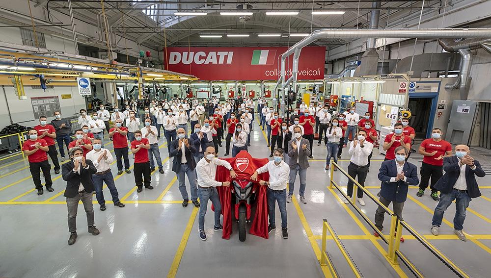 Ducati annonce l'entrée en production de la nouvelle Multistrada V4, équipée de la technologie radar avant et arrière