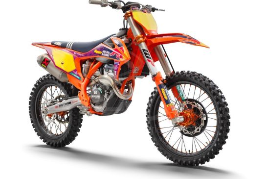 KTM 250 SX-F TLD Studio front right