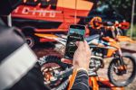 KTM :  : L'APPLICATION MYKTM ET LE KIT CONNECTIVITY UNIT METTENT LA CONFIGURATION DE LA MOTO D'USINE À PORTÉE DE MAIN