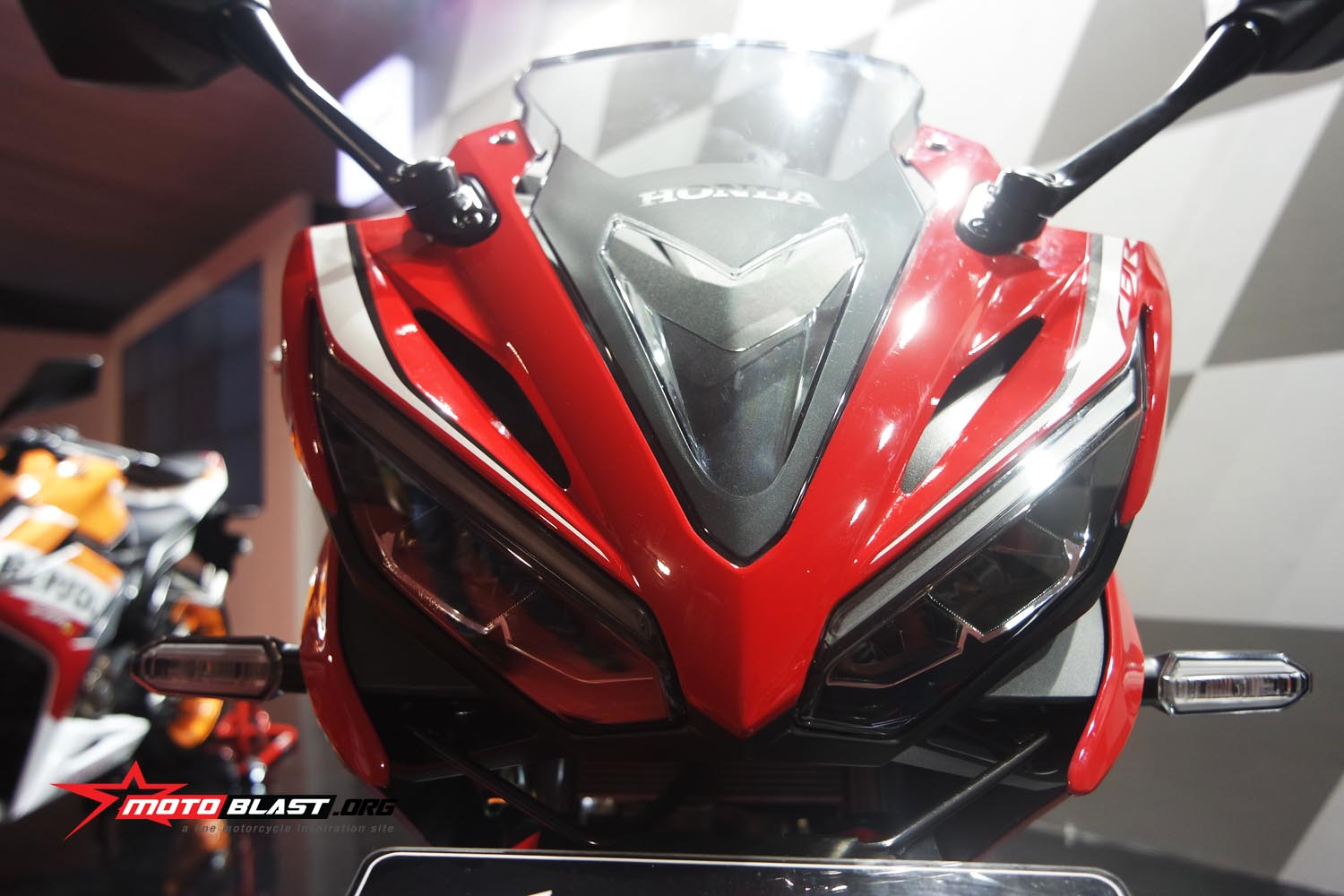 Detail New CBR150R High Resolution Motoblast